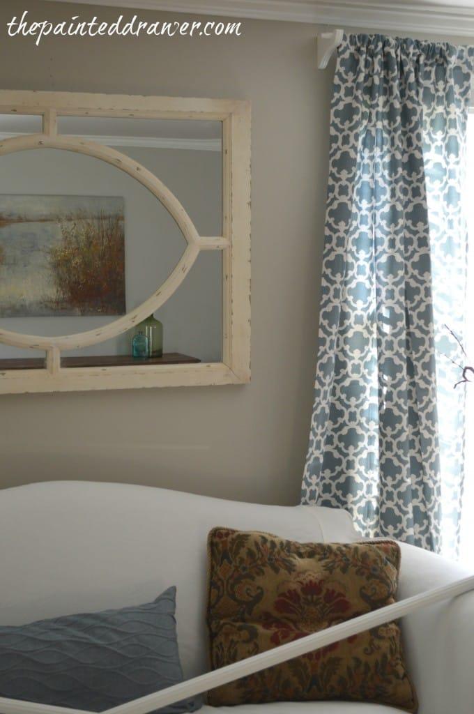 Cottage LIving Room www.thepainteddrawer.com