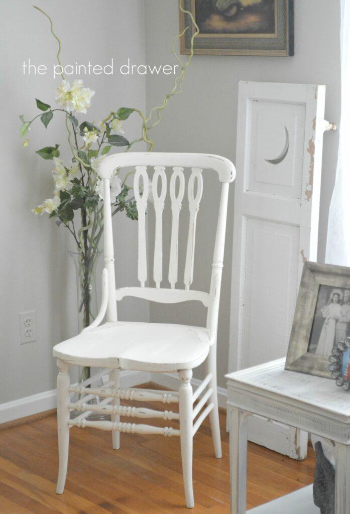 Farmhouse Chair www.thepainteddrawer.com