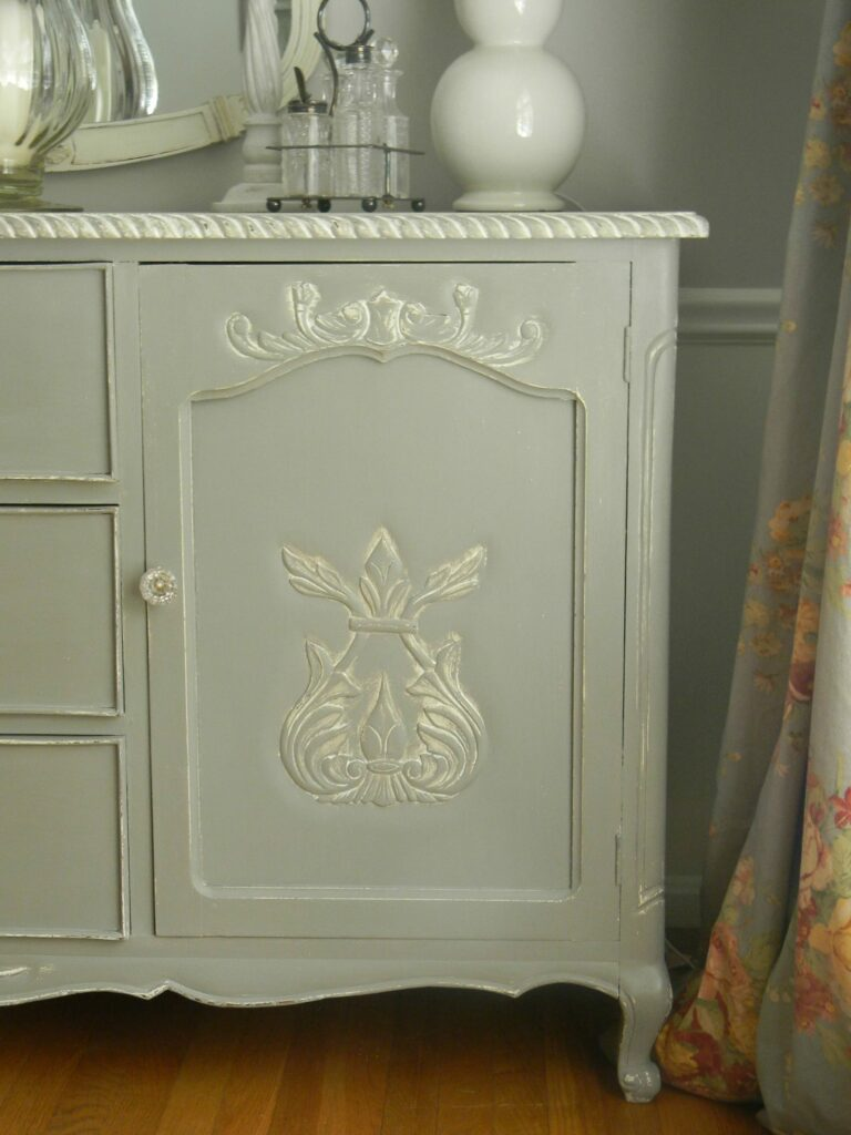 French Country Sideboard www.thepainteddrawer.com