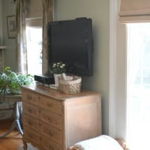 Family Room in BM Guilford Green with Thrift Store Finds, www.thepainteddrawer.com, whitewashed brick, thrift store finds,