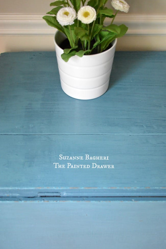 Farmhouse Table in Annie Sloan chalk paint mixx