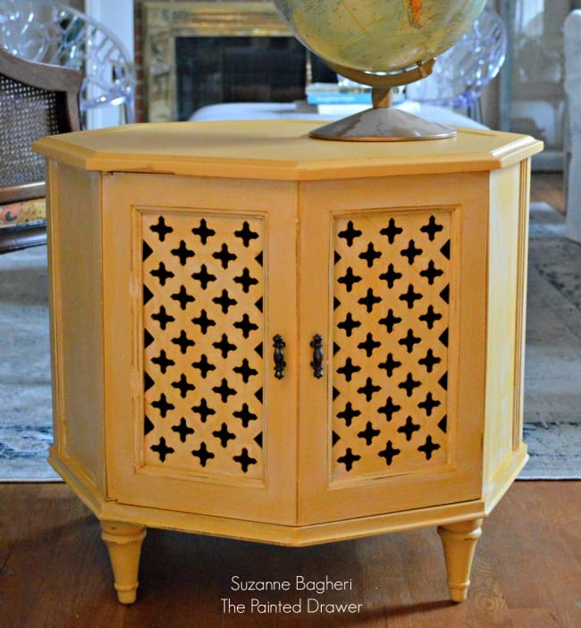 Apricot Moroccan Table