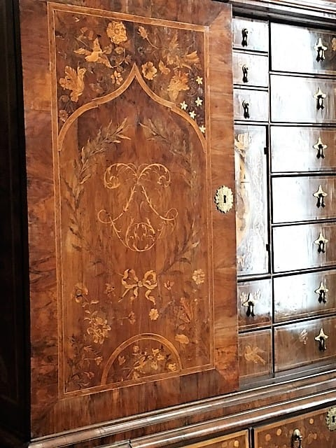 Victoria and Albert Museum cabinet